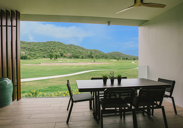 Luxury Apartments With Scenic Golf Course Views